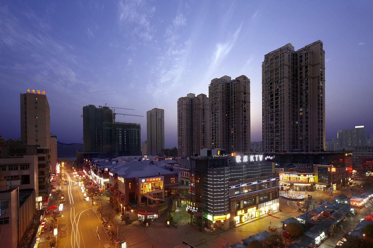 宜昌市中心商业步行街 (1)